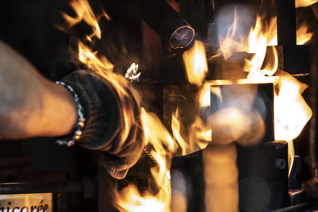 Moule de verrier en feu